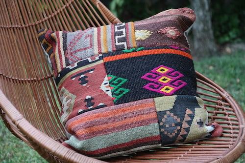 Cojín cuadrado turco de kilim - cojin cuadrado turco tipo alfombra 1.JPG