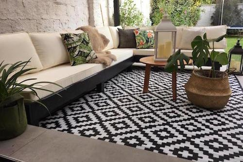 Terraza lista con alfombra de 180 x 270 cm - terraza lista sofa en L alfombra de exterior grande color negro.jpg