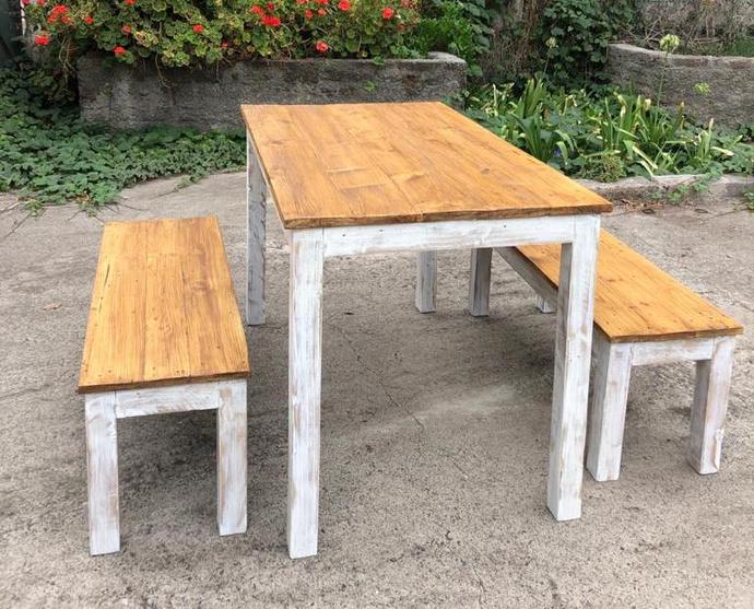 Mesa comedor de terraza de pallet con 2 bancas - mesa de comedor de madera de pallets reciclados con bancas color a elección.jpeg