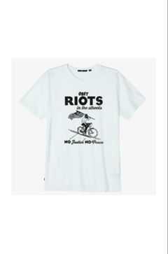 Polera Riots in the Streets