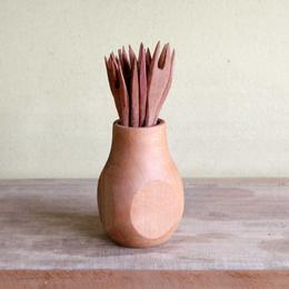 Juego de pinchos tallados en raulí