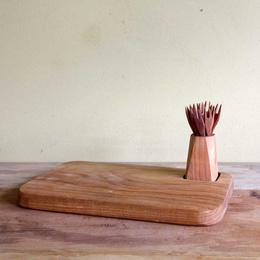Set pincho y tabla tallados en raulí