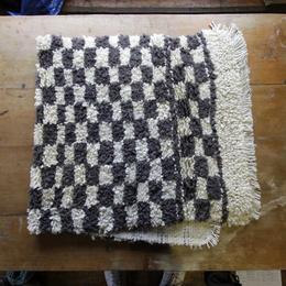 Piecera de lana de oveja tejida en telar mapuche