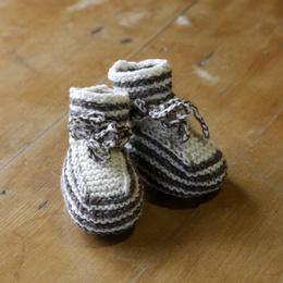 Zapatitos tejidos a palillo en lana de oveja
