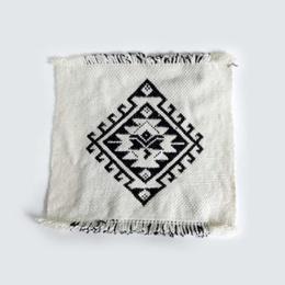 Cuadro Con Diseño Ñimin Cruz Tetradica tejido en telar mapuche en lana de oveja