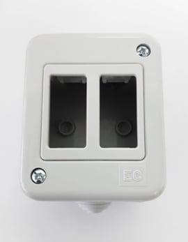 Caja enchufe 2 puestos ip44 s/tapa proteccion